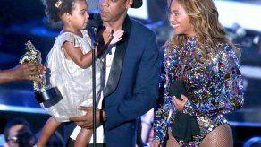 BET suspende a productor por chiste sobre la hija de Beyonce