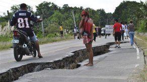 Filipinos narran el terror por terremoto de 7
