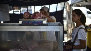 Gremio alerta que consumo de carne y pollo en Venezuela ha caído más del 70 %