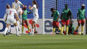 Inglaterra vence 3-0 a Camerún y avanza en Mundial femenil