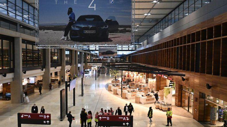El aeropuerto de Berlín abre con nueve años de retraso y en plena pandemia