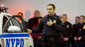 Policías de NY llevarán cámaras adheridas a sus uniformes