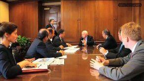 JC Navarro se reúne con John McCain en su cuarto día de gira por EEUU