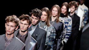Dior propone una moda futurista para hacer flotar a los hombres