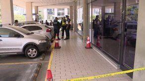 Reportan robo y una persona herida en Avenida Balboa
