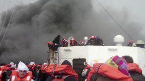Se desconoce paradero de 98 pasajeros de ferry accidentado