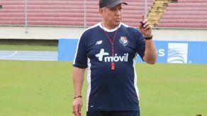 Américo El Tolo Gallego dirigió su primer entrenamiento como DT de la selección