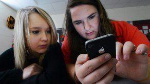 Teléfonos celulares estresan a estudiantes