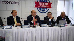 TE reglamenta proceso de revocatoria de mandato por iniciativa popular