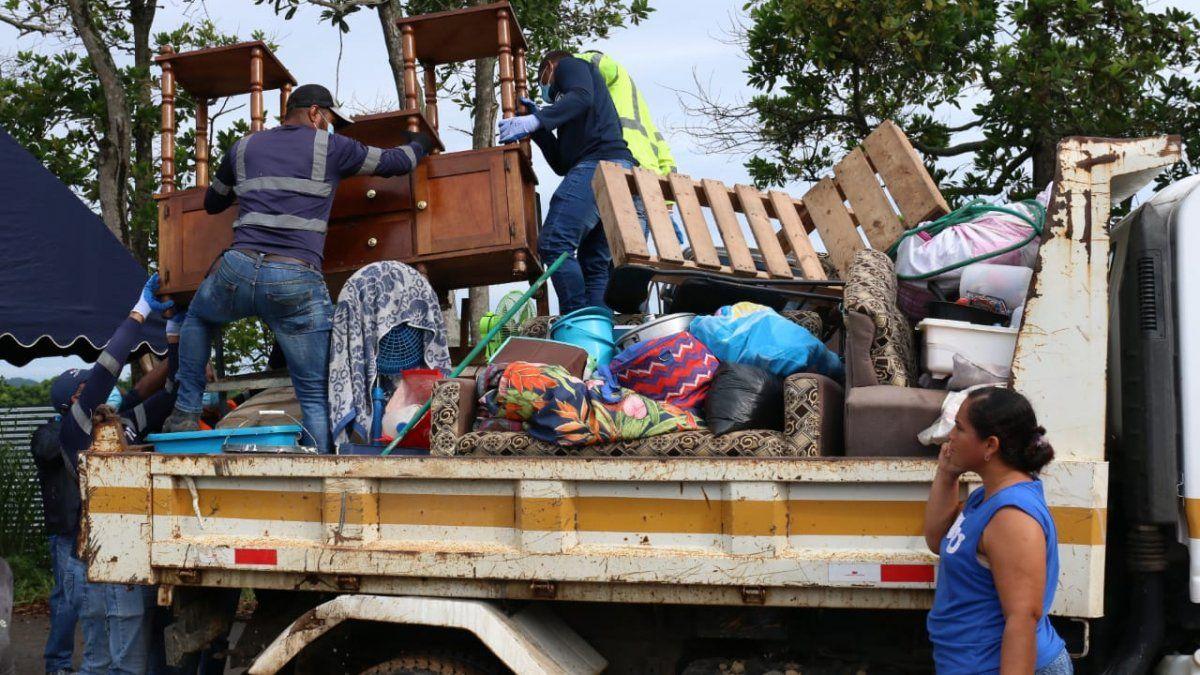 Las familias estaban ubicadas en enel asentamiento informal conocido como Tierra Prometida, ubicado en elcorregimiento de Playa Leona, distrito de La Chorrera.