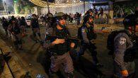 La policía fronteriza israelí durante una protesta en apoyo de las familias palestinas que enfrentan el desalojo de sus hogares en el barrio de Sheikh Jarrah, cerca de la puerta de Damasco en la ciudad vieja de Jerusalén.