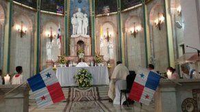 Monseñor pidió por la paz en el mundo durante Jornada de Oración por la Patria