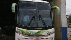 Ordenan detención provisional a costarricense y panameño sorprendidos con droga en bus