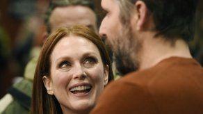 Julianne Moore y su esposo de vuelta a casa en Sundance