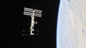 El vuelo Ax-1, como ya ha sido denominado, viajará a la EEI en una cápsula Dragon de SpaceX que será puesta en el espacio por un cohete Falcon 9 de la misma compañía.