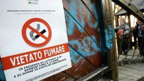 Establecen nuevas multas para fumadores en Italia