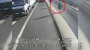Detenido un corredor en Londres por empujar a una mujer frente a un autobús