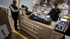 Colombia: Diseñan cama que puede usarse de féretro