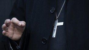 Expulsan a jesuita chileno por abusos y piden a Vaticano su despido como cura
