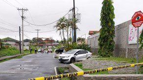 Hombre fue herido de bala cuando salía de una casa de citas en Colón