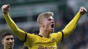 Haaland anota y ayuda al Dortmund a subir en la Bundesliga