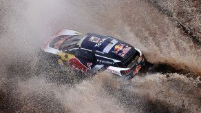 Sainz sigue de líder en Rally Dakar a 2 días del final