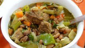 Sopa de carne con frijoles