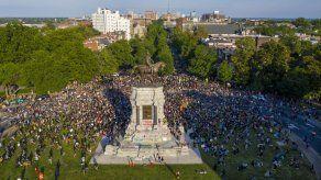 Gobernador de Virginia anunciará retiro de estatua de Robert E. Lee