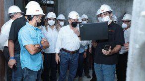 Presidente Cortizo inspecciona construcción del hospital Pacífica Salud
