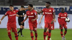 Leverkusen rescata empate con autogol y queda 4to