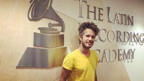 Vicente García aviva la intensidad de amar en su disco Candela