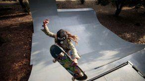 Esperanza de Japón en skateboard