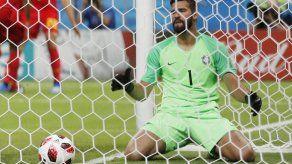 Liverpool contrata a portero brasileño Alisson