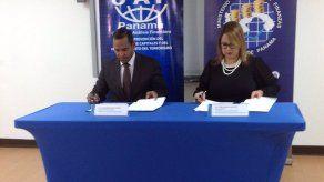 MEF y UAF firman convenio para reforzar prevención contra blanqueo de capitales