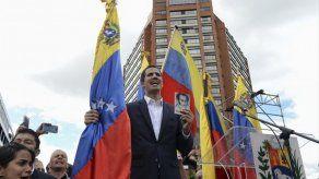 Trump reconoce al líder opositor Juan Guaidó como presidente interino de Venezuela