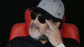 Maradona inicia nueva aventura como técnico de Gimnasia