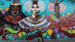 Artistas plasman en murales la historia étnica de Panamá