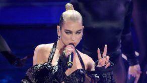 Dua Lipa revela los entresijos de su colaboración con Gwen Stefani