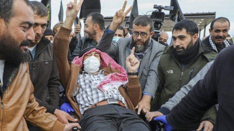Israel libera a detenido palestino que estuvo en huelga de hambre 103 días