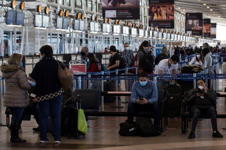 El anuncio de la llegada de la variante delta a Chile se produjo durante el primer día de discusión en el Parlamento de la extensión el estado de excepción por catástrofe