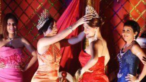 Coronan a las princesas del Carnaval de Penonomé