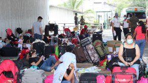 Más de un centenar de nicaragüenses está varado entre Panamá y Costa Rica