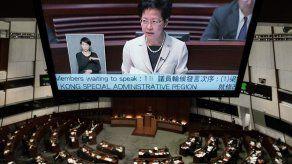Parlamento de Hong Kong debate reforma electoral en medio de manifestaciones