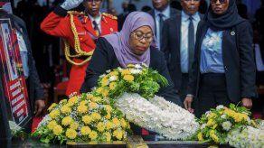 Tanzania: 45 muertos tras estampida en funeral presidencial