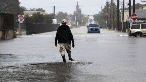 La tormenta tropical Beta inunda la costa de Texas