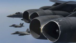 EEUU realiza maniobras militares cerca de Irán