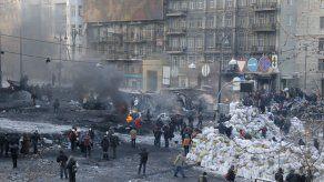Opositores en Ucrania ocupan ministerio en Kiev