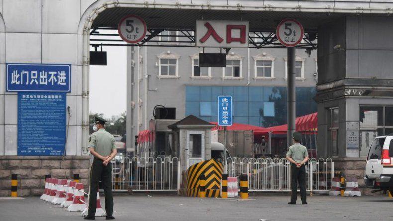 China decreta confinamiento en una zona de Pekín tras nuevo foco de coronavirus