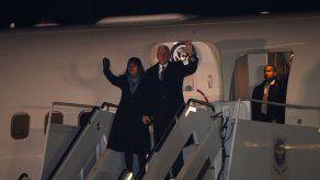 Pence llega a Japón para tratar el problema norcoreano antes de los JJOO