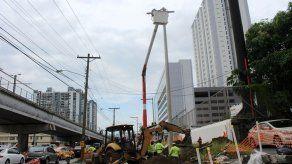 Reubicación de cables eléctricos en la vía Transístmica afectará suministro en áreas aledañas